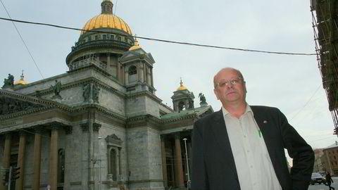 Atle Berge i Ølen Betong saksøker staten. Her under et besøk i St. Petersburg i 2011.