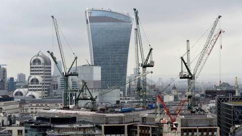 Skyskraperen «Walkie-Talkie» i 20 Fenchurch Street i City of London er nå offisielt Storbritannias dyreste bygning.