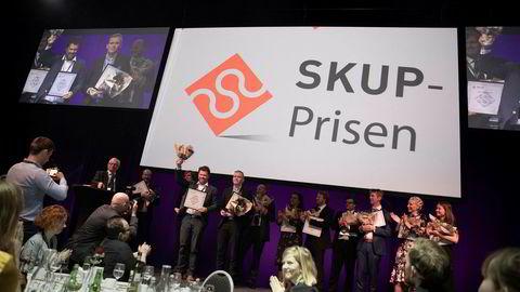 Dagbladet, Dagens Næringsliv og VG har siden 2011 byttet på å vinne SKUP-prisen for fremragende undersøkende journalistikk. Den ferskeste prisen gikk til DN-journalistene Kjetil Sæter og Markus Tobiassen for Tidal-saken.