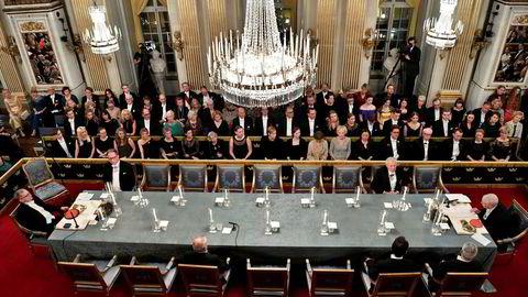 Denne gjengen i Svenska Akademien i Stockholm har lenge kranglet for åpen scene. Nå forsøker de å reparere noe av skadene.