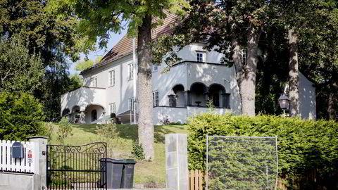 REDDET. Den monumentale villaen fra slutten av 1. verdenskrig ble torsdag berget da tidligere Intex-styreleder Jan Vestrum, gjorde opp et pengekrav. Foto: Fredrik Bjerknes
