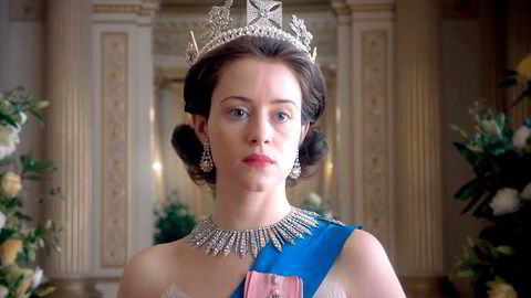 Den unge dronning Elizabeth II (Claire Foy) tar oppgaven som overhode svært alvorlig i et velspilt og detaljert drama, som har premiere 4.november. Foto: Netflix