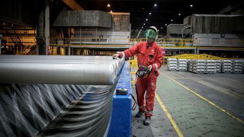Hydro jobber med å få oversikt over hvordan Donald Trumps planlagte tollsatser vil påvirke selskapets virksomhet, som her på Hydro Husnes, tidligere Sør-Norge Aluminium AS.