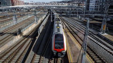 Intercity-toget vil ankomme blant annet Hamar og Fredrikstad noen år forsinket.