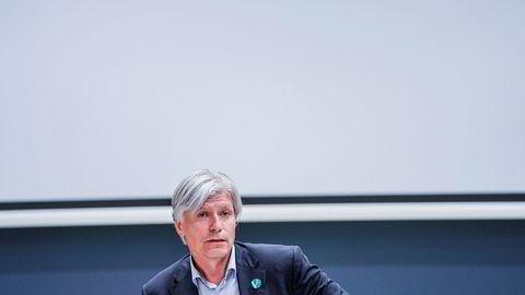 Klima- og miljøminister Ola Elvestuen vil ikke si noe om hva han synes om partileder Trine Skei Grandes fortsatte styring av Venstre.