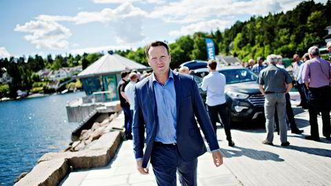 Kun noen dager etter at Thomas Rosvold tiltrådte som administrerende direktør i Hyundai, la selskapet frem et underskudd på 117 millioner kroner. Nå har Rosvold og elbilen Ioniq snudd selskapet til et overskudd på ti millioner kroner i fjor. 2018 ser enda lysere ut. Her er Rosvold avbildet da han la frem Hyundais nye strategi i 2014.