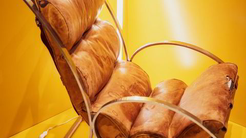 Unik. Sverre Fehns Venezia-stol, som har vært i arkitektens private eie, er helt unik, og har et mer kontinentalt uttrykk enn Fehns øvrige møbler, sier Pål Lunder i Fjordfiesta.