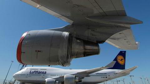 Lufthansa har måtte redusere trafikken sin med over 90 prosent under koronautbruddet og er i forhandlinger med den tyske stat om en redningspakke verdt 9 milliarder euro, om lag 100 milliarder kroner.