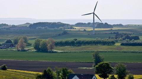 Vindmølle på den danske øyen Samsø i Danmark.