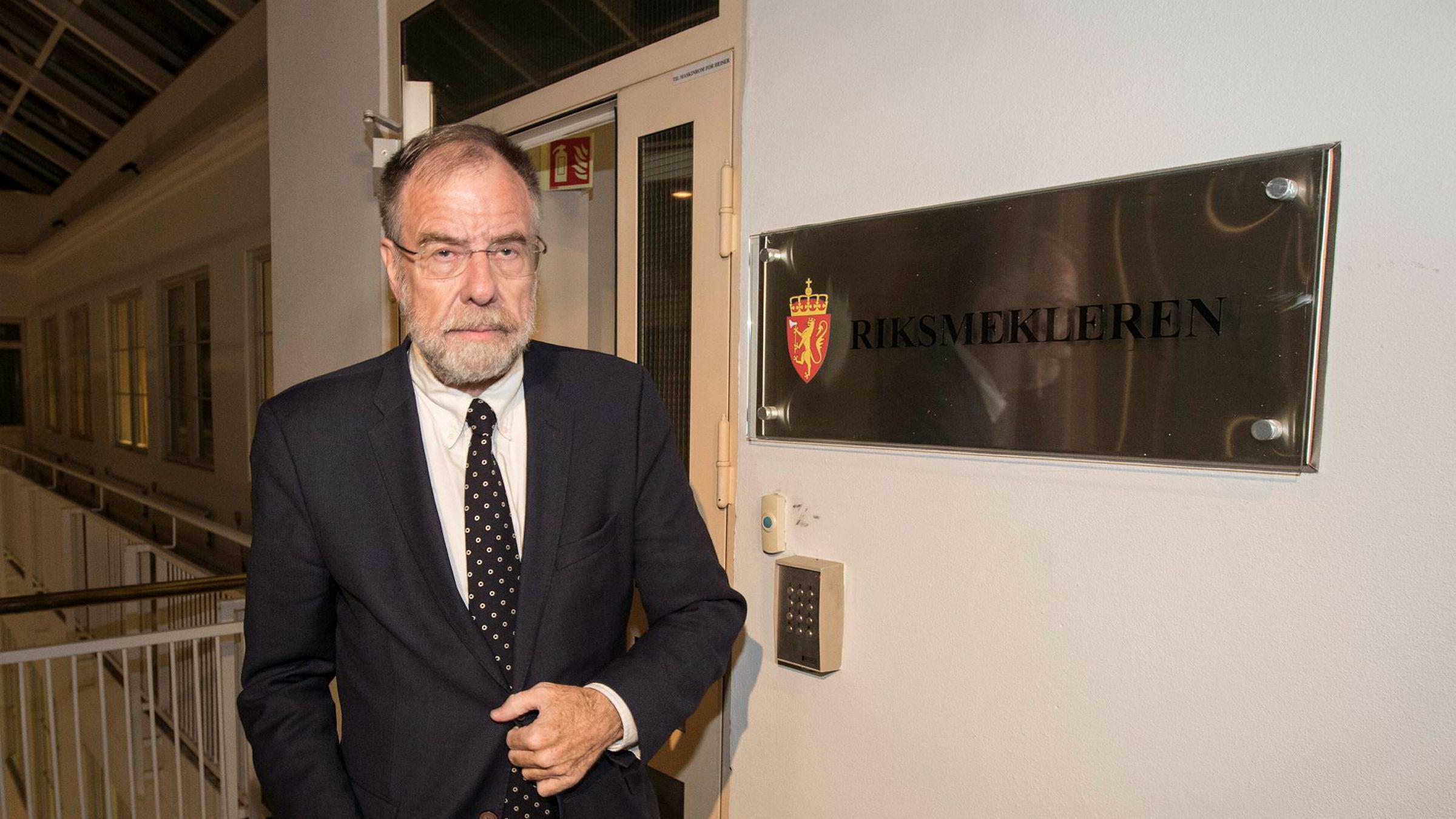 Litt før klokken 04 natt til torsdag kunne riksmegler Nils Dalseide informere pressen om at partene var kommet til enighet og at SAS-streiken er avblåst.