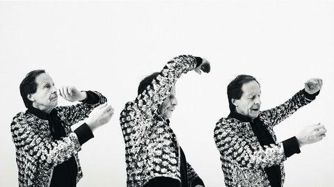 En musisk kjerne. Kjartan Fløgstad «bruker helst hypotetisk konjunktiv og kondisjonalis» om sin egen dansesolo, men har en uttalt tro på prosjektet: – Vi har ingen metodikk å falle tilbake på. Det er rått og hentet ut av oss selv.