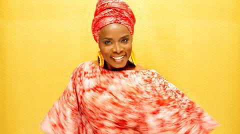 Angélique Kidjo (60) fra Benin har vært en viktig musikalsk brobygger siden det internasjonale gjennombruddet i 1991.