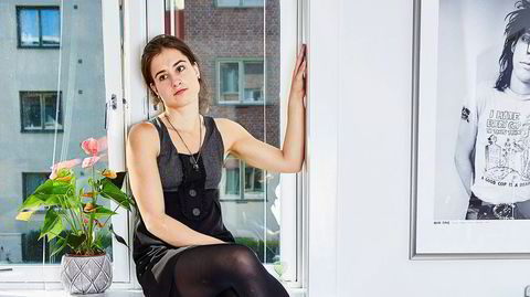 Maria Kjos Fonns nye roman, «Heroin chic», er en bekmørk affære om overskridelse og avhengighet.