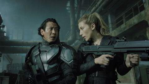 Dystopisk. Science fiction-entusiaster kan muligens se frem til «Altered Carbon» på Netflix, som ut fra traileren ser uhyre lekker og voldsom ut, og har Miguel Sapochnik («Game of Thrones») som regissør.