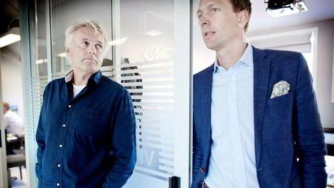 – Vi har brukt tiden til å veilede kunder, planlegge for fremtiden, og jobbe mer med en ny strategi. Vi jobber med at vi skal være et mindre selskap, som er litt mer rigget for å gjøre det som er kjernevirksomheten vår, sier Jan Axel Syberg (til høyre) om den siste tiden. Her er han sammen med eier Odd Sørli i 2014.
