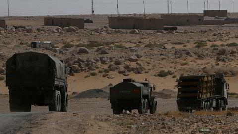 Russiske kjøretøy på vei til Deir al-Zor i Syria. Bildet er fra september.