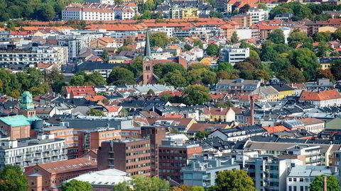 Tre av ti frykter et kraftig fall i boligprisene, ifølge en ny undersøkelse om boligmarkedet.