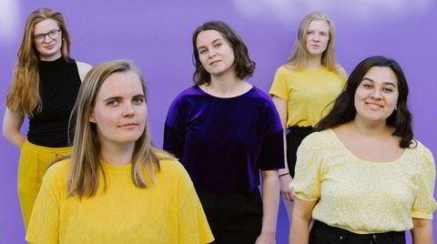 Liflige toner fra Starlight Big Band, her ved fem av dem: Ingrid Øygard Steinkopf (fra venstre), Amalie Dahl, Jenny Frøysa, Oda Øygard Steinkopf og Mona Krogstad.