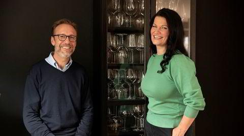 Thomas Giertsen og Merete Bø lager podkast om vin.