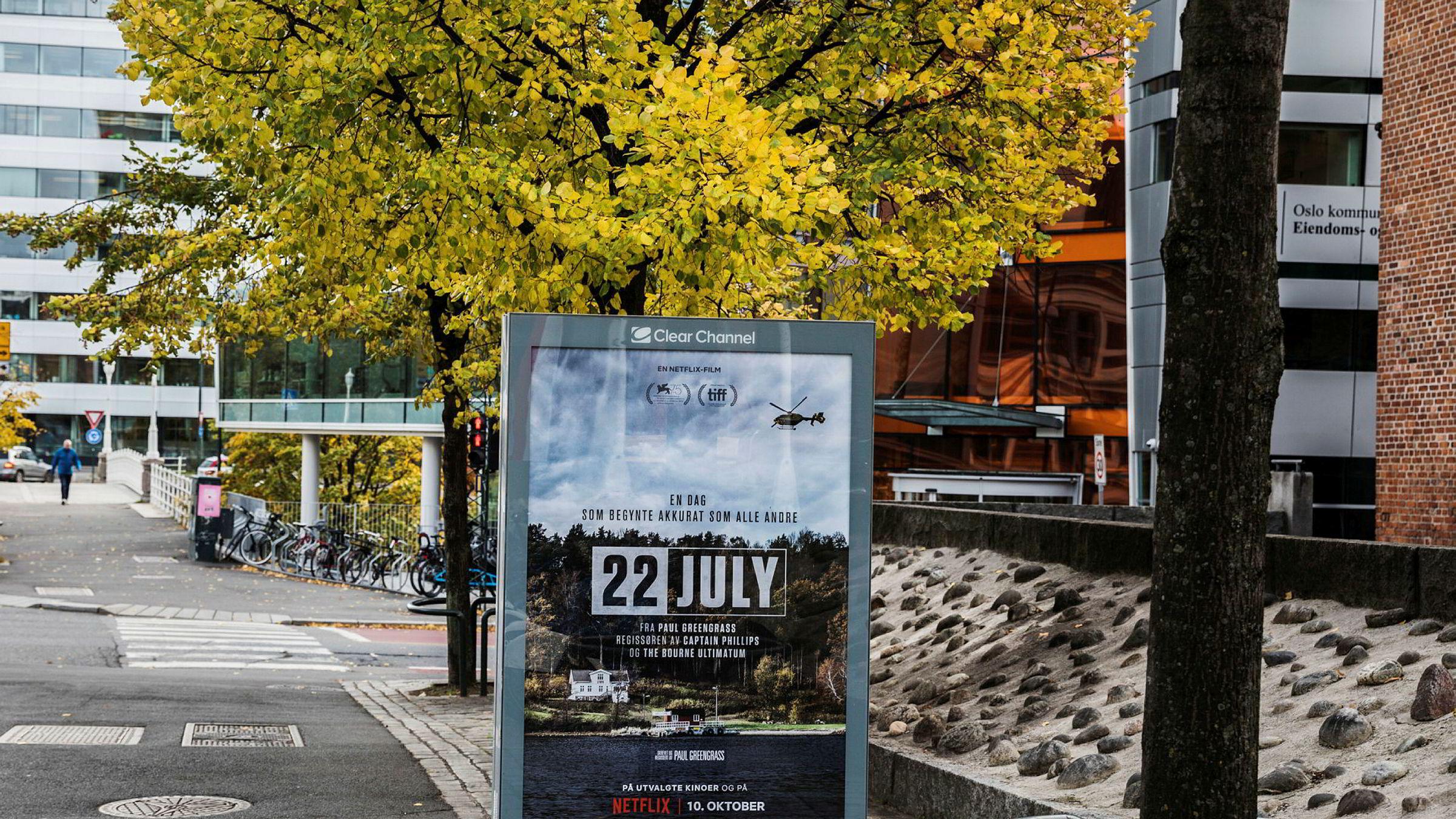 Netflix bruker boards i Oslo til å reklamere for filmen om 22. juli.