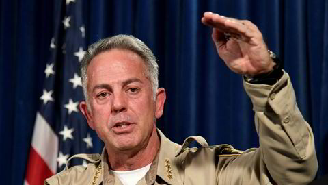 Sheriff Joe Lombardo i Las Vegas-politiet sier politiet fortsatt ikke har identifisert noe motiv for massedrapene.