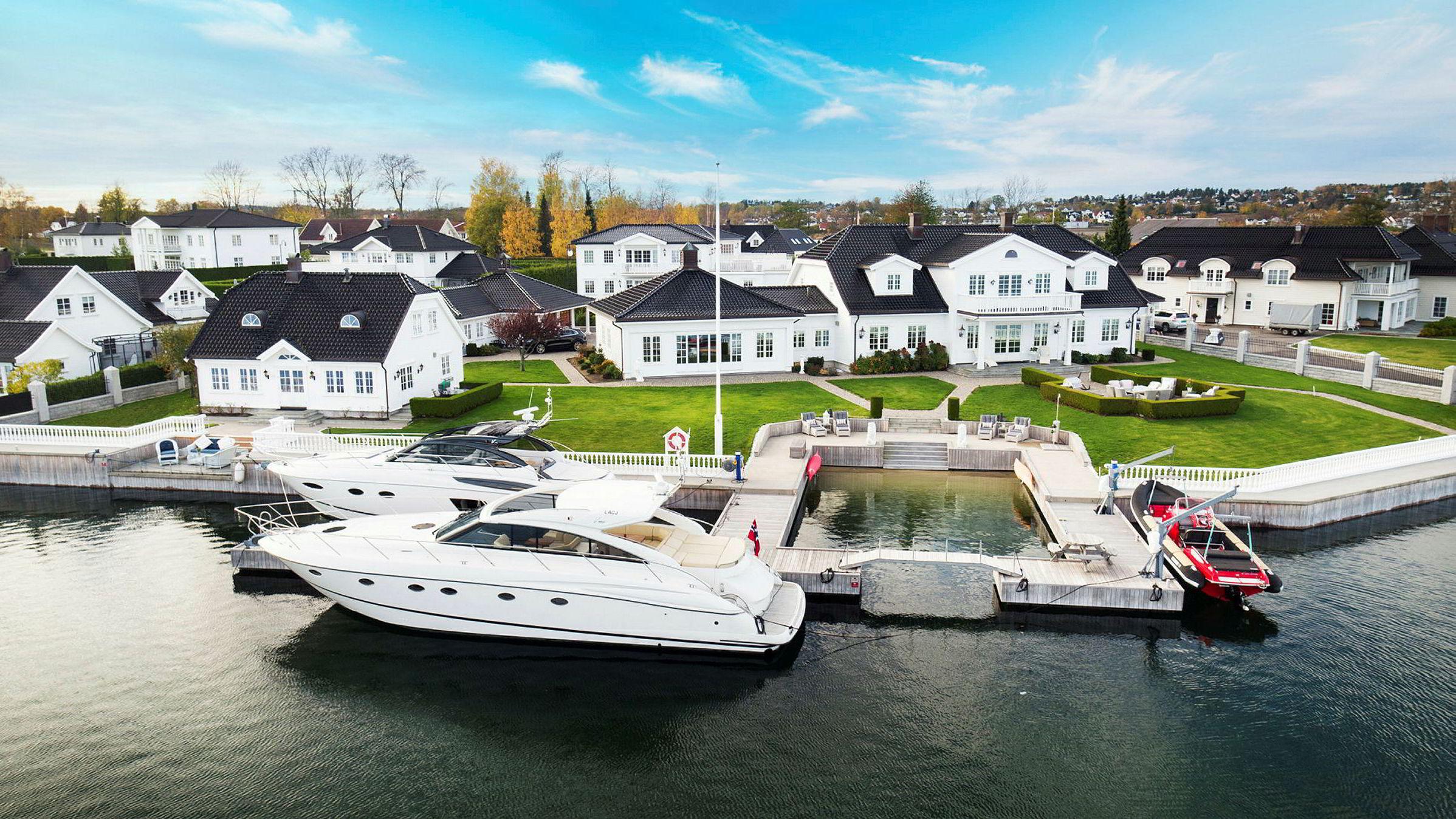 Luksuseiendommen på Kalvetangen på Nøtterøy utenfor Tønsberg har vært til salgs i over et år.