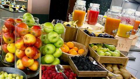 Frokosten på boutiquehotellet Opus XVI i Bergen er en fargefest, med fersk frukt, friske bær, juicer, smoothier og flere varmretter på en à la carte-meny, slo DNs hotelltester fast.
