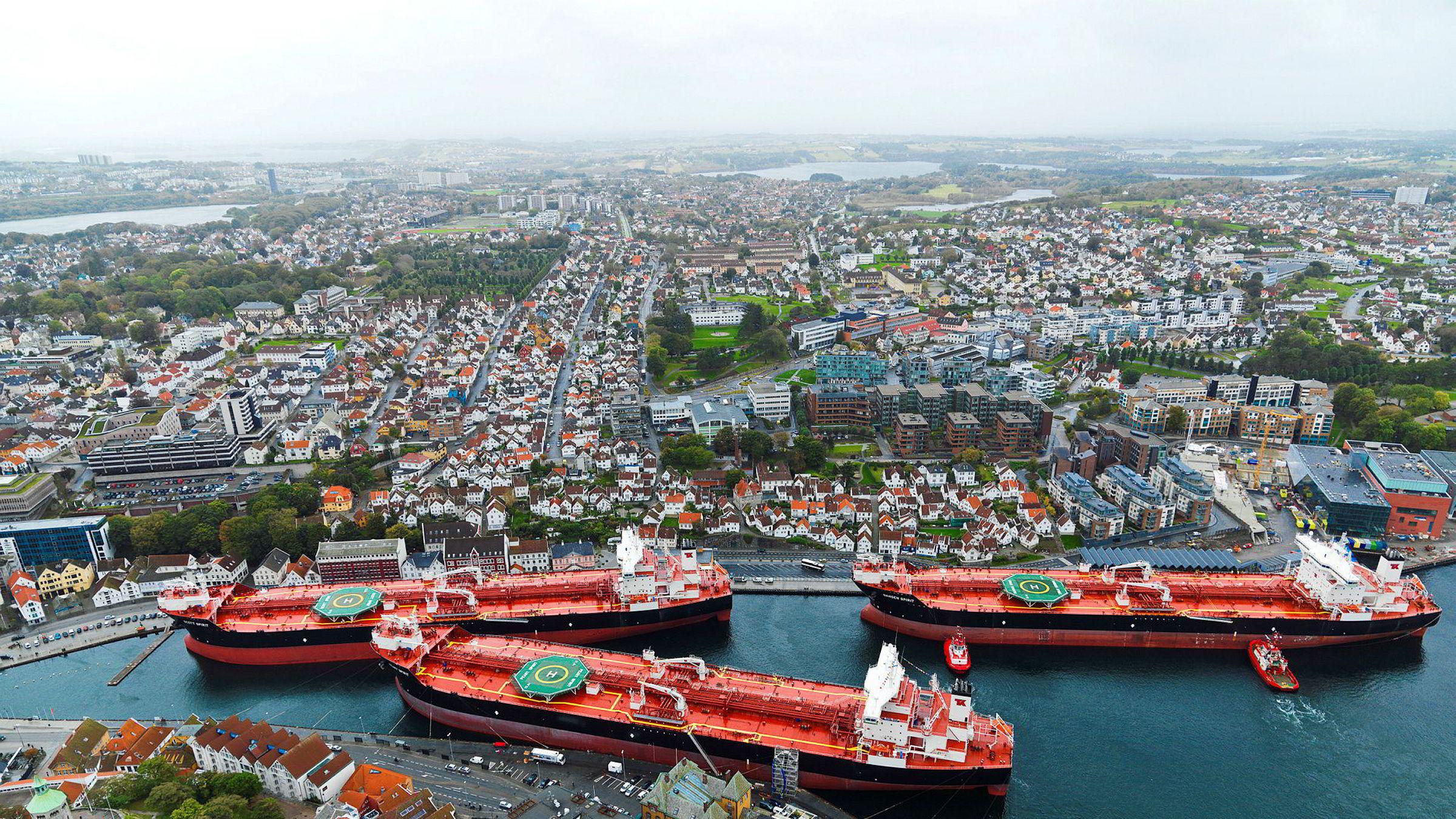 Tre av Teekays tankership «Scott Spirit», «Peary Spirit» og «Nansen Spirit» var samlet i Stavanger havn i 2015. Nå skal selskapet bygge en ny generasjon mer miljøvennlige skip og søker finansiering til dette.