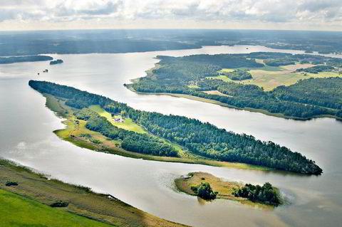 Stora Rullingen, Sverige, ligger vest for Stockholm og er på 327 mål. Den har en prisantydning på 6 millioner euro.