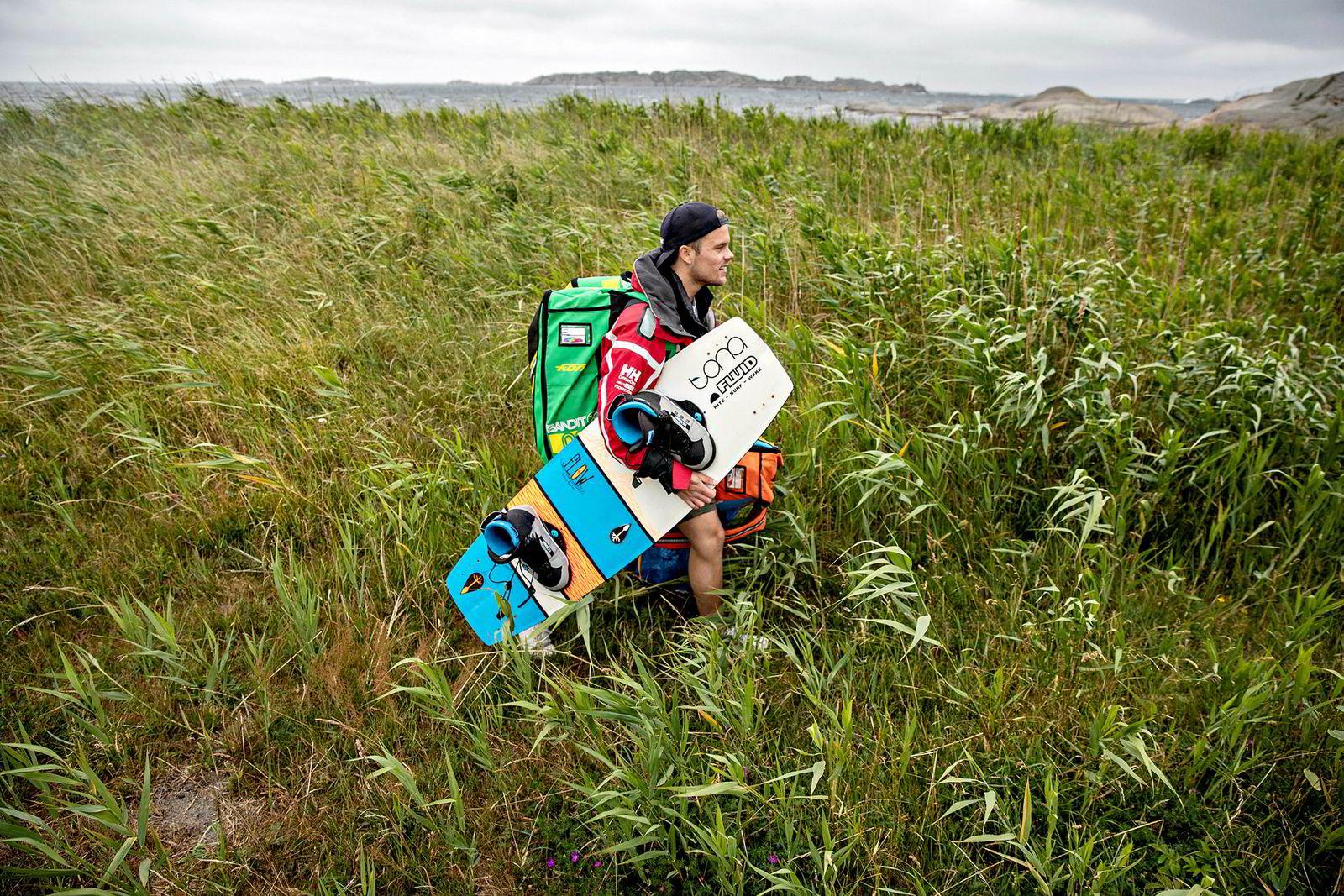 Det ville maritime landskapet helt sør på Hvasser er de mer erfarne kiternes lekeplass. 150 meter fra parkeringen kan utstyret rigges.