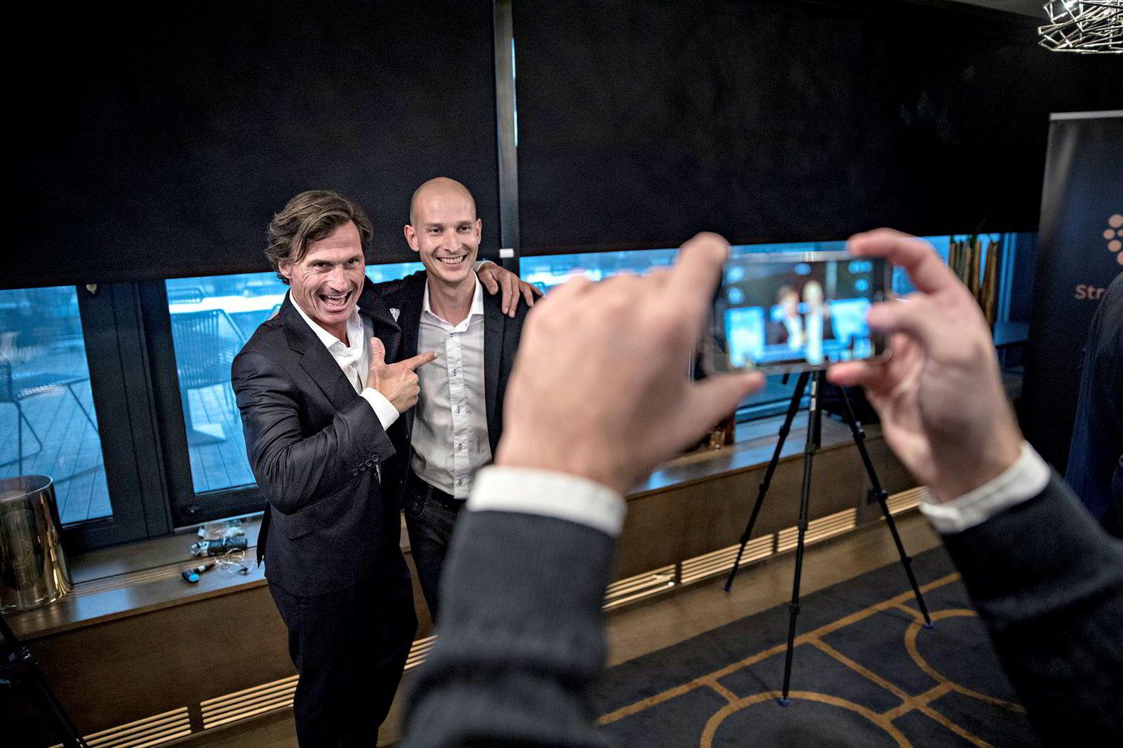 Hotellmagnat Petter Stordalen er blant medinvestorene i TIbber, ledet av Edgeir Vårdal Aksnes (til høyre). Kraftselskapet BKK er også med.