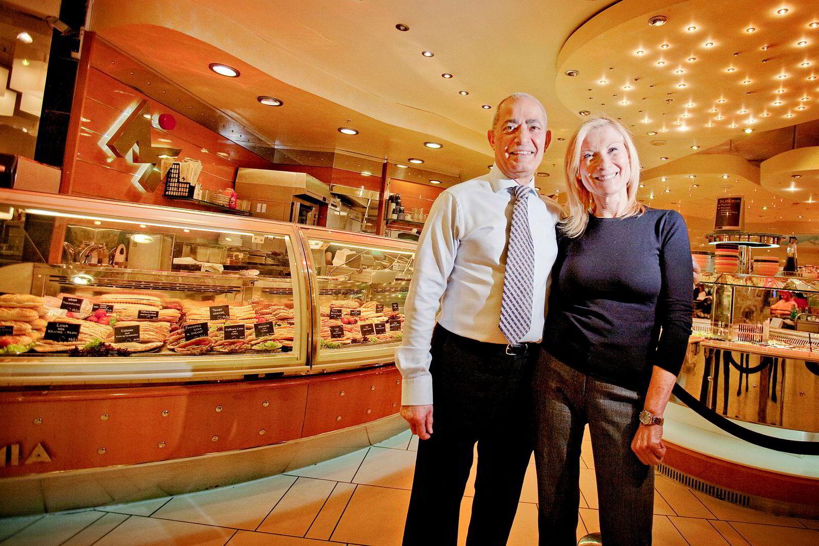 Ekteparet Dan Azouri og Dora Azouri solgte leiligheten på Tjuvholmen for 20 millioner kroner mer enn de ga for den i 2013.