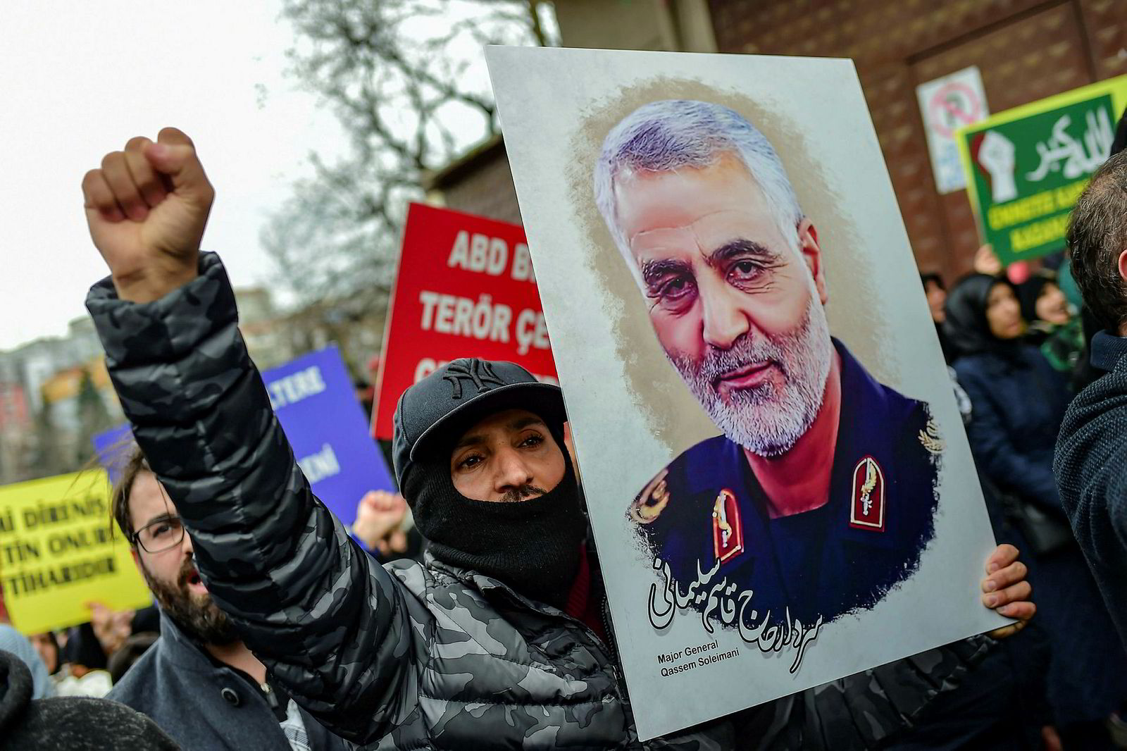 Leder av den iranske Revolusjonsgardens eliteenhet, Esmail Qaani, lover hevn mot USA etter drapet på forgjengeren Qasem Soleimani.
