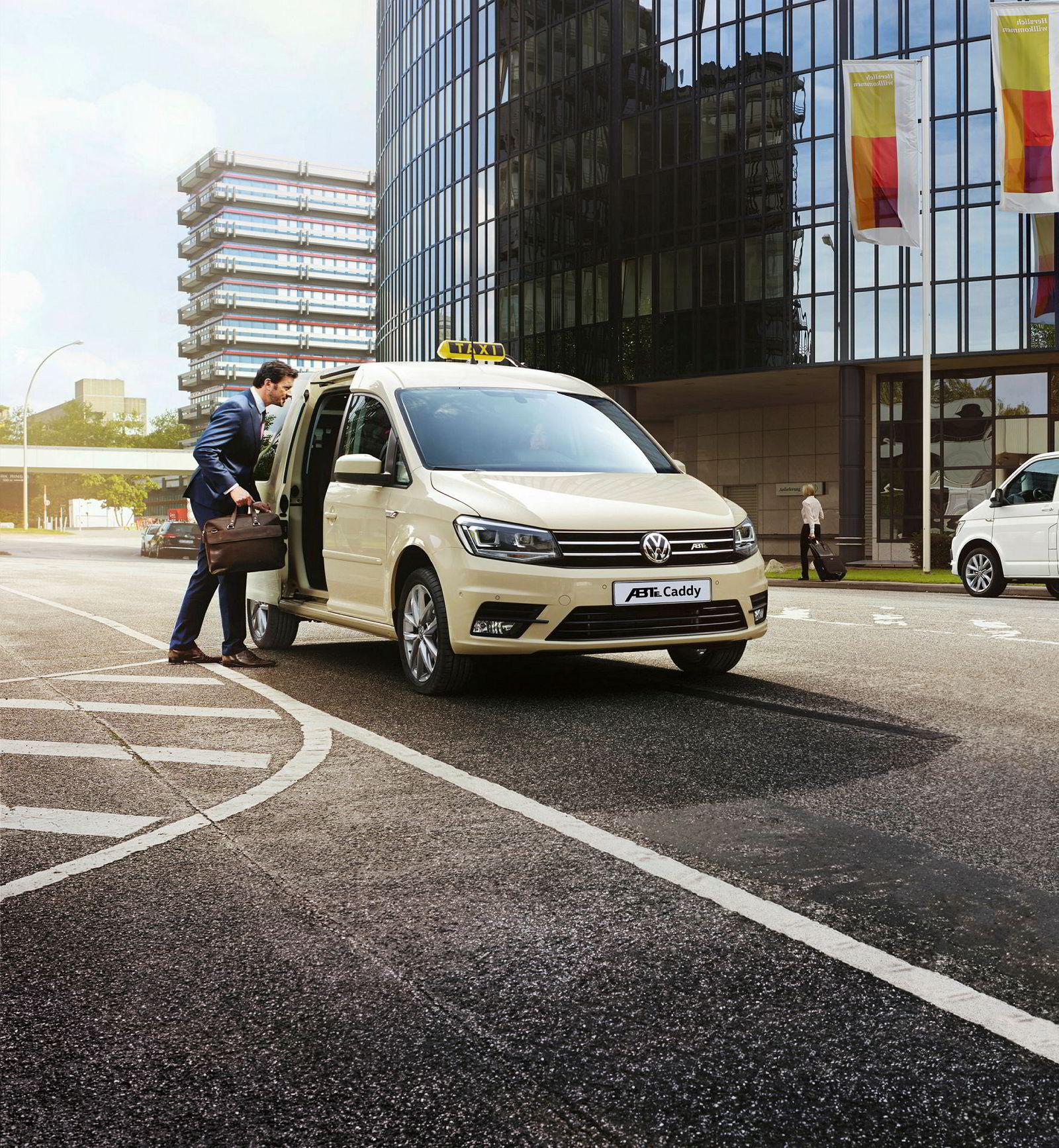 Her er Volkswagen ABT e-Caddy som drosje.