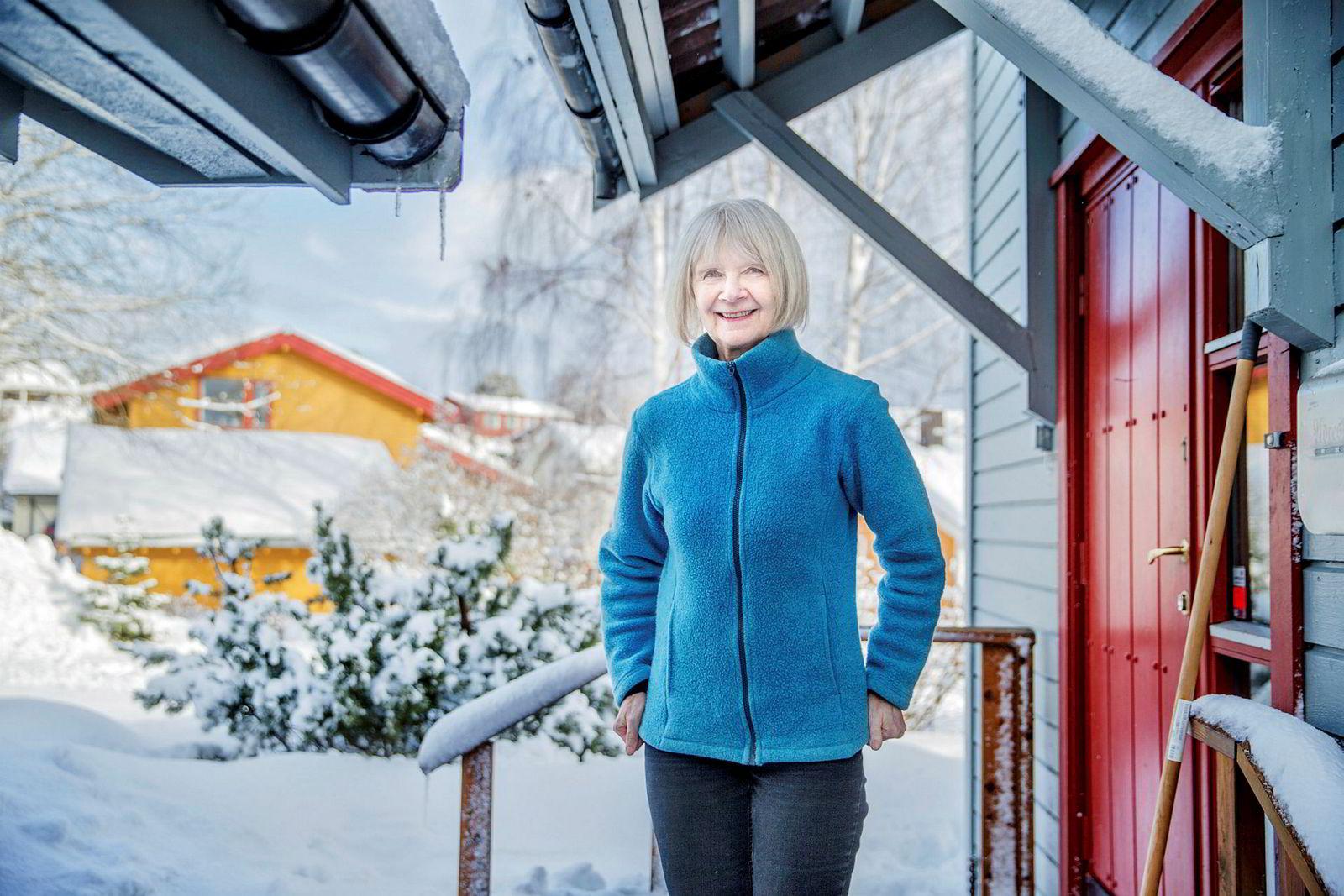 Professor Berit Brandth har blant annet undersøkt hva som skjer dersom far og mor er hjemme i permisjon samtidig. Hun fant ut at da er mor sjefen, mens far hjelper til.