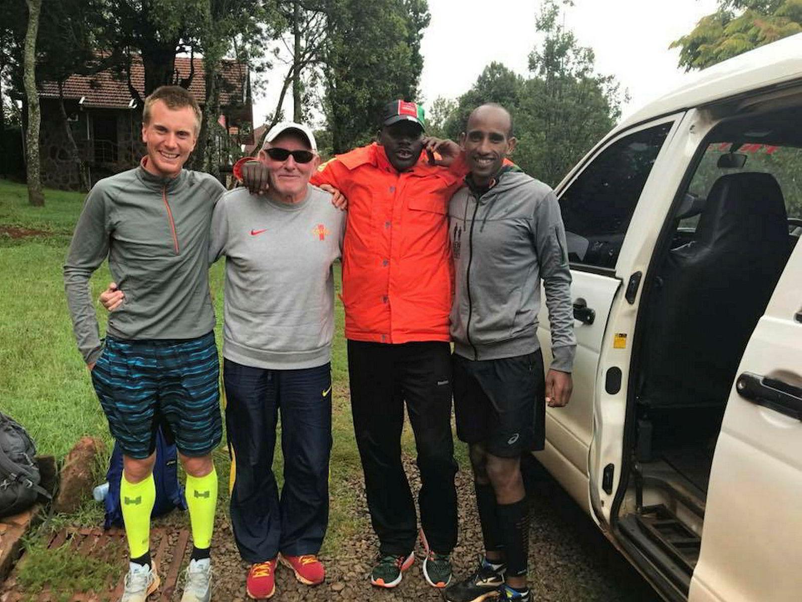 Sondre Nordstad Moen har tilbrakt ekstremt mye tid i Kenya, også før han fikk sin nye italienske trener. Her er trønderen sammen med treneren Renato Canova, John litei og Tess Felfele.