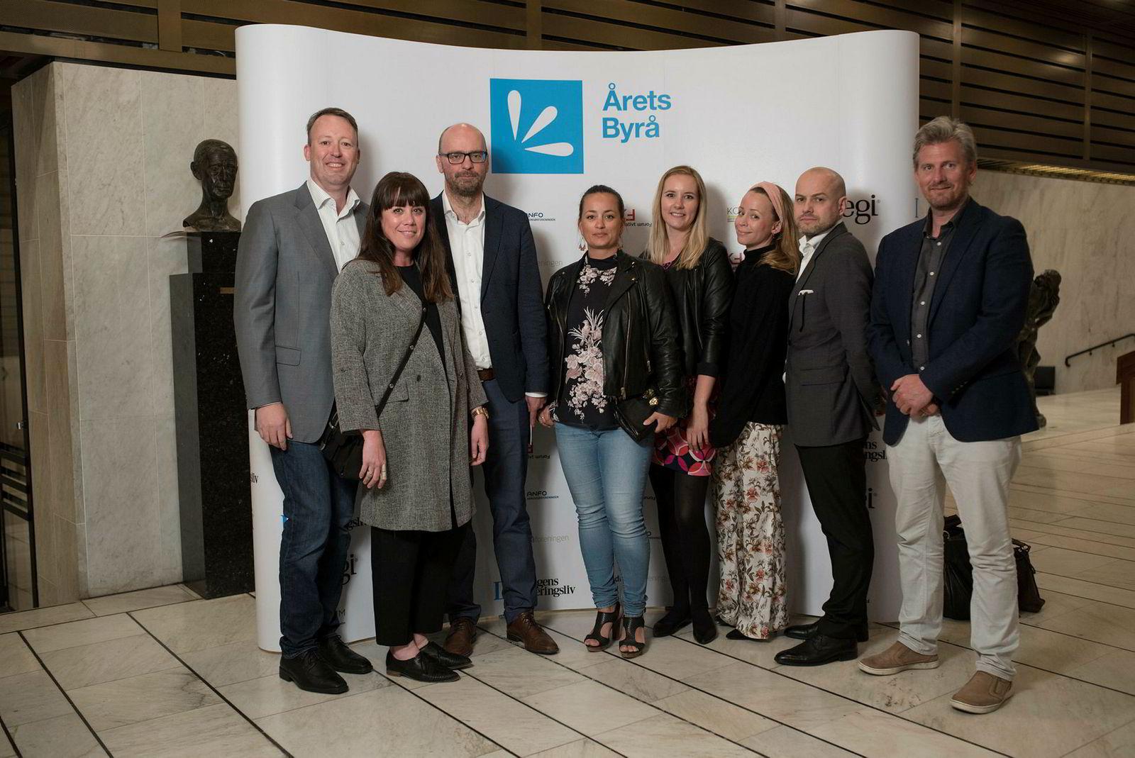 ...og var for mange til å fange på ett bilde: Fra venstre: Øyvind Løland, Hildegunn Hanssen, Atle Hommersand, Mari Amundsen Westby, Ida Stakset, Kine Toth, Øystein Berntzen, Finn Aagaard.