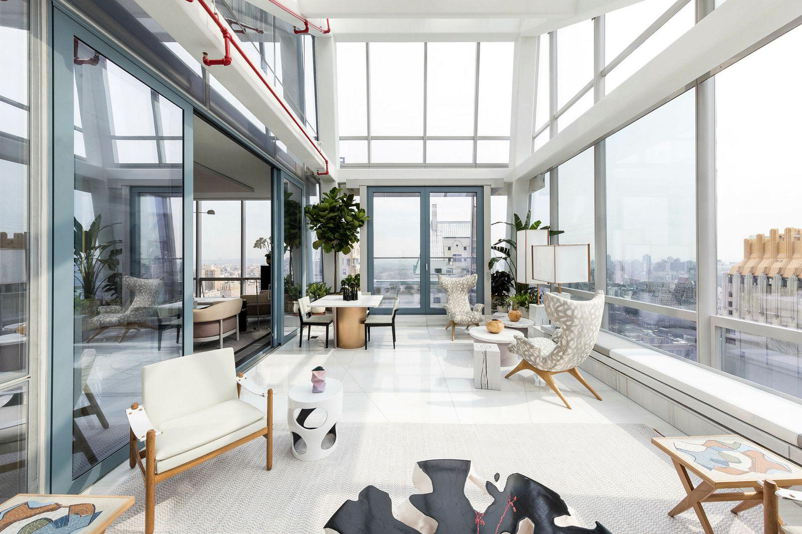 Slik ser det ut i den innglassede verandaen i 41. etasje i One57-bygget, som ligger i samme strøk som JDS Developements utbyggingsprosjekt. Her kjøpte Michael Dell New Yorks dyreste eiendom i 2015, til en pris på rundt én milliard norske kroner.