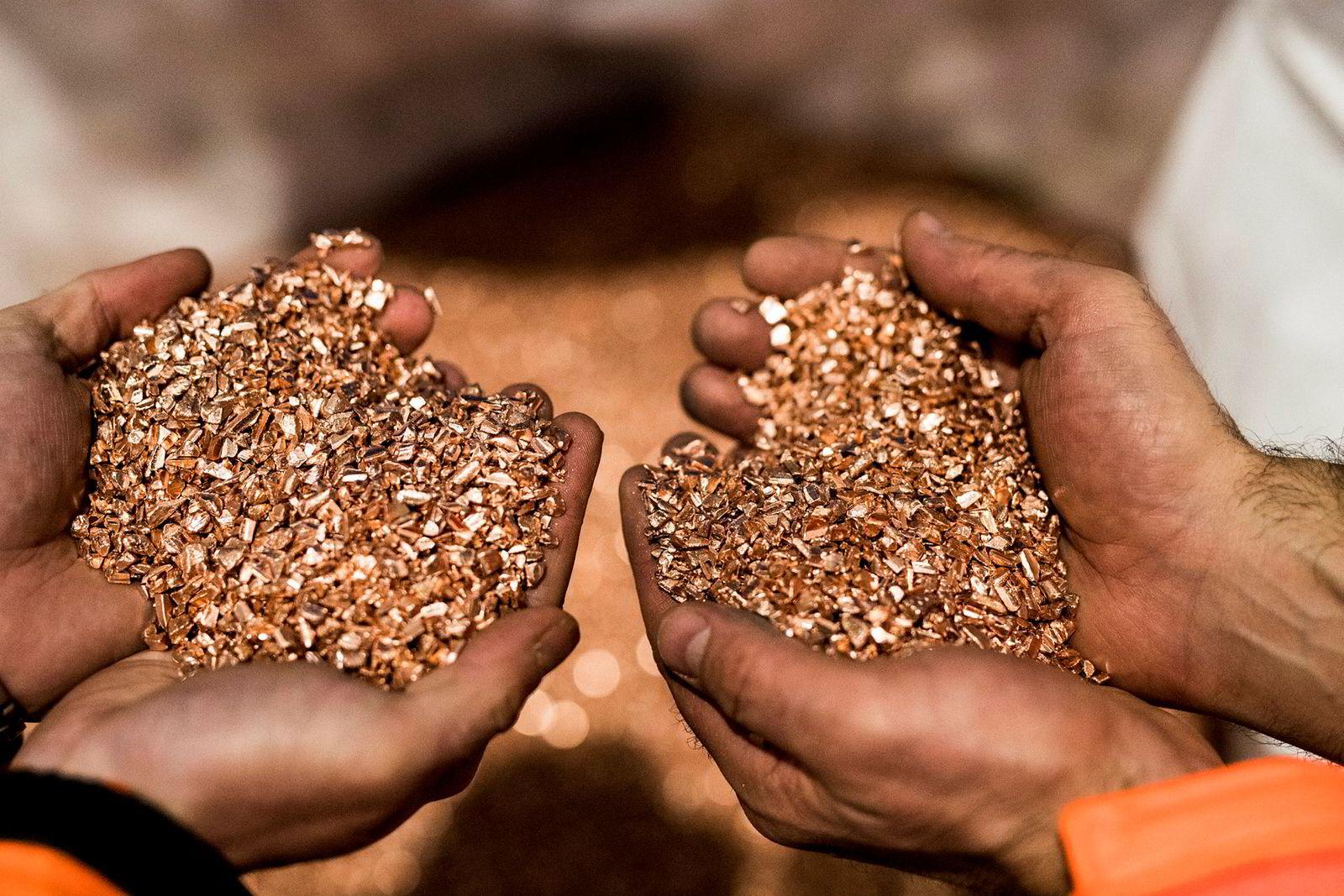 Kablene hugges opp og kobberet sorteres ut, før det selges videre til nordiske smelteverk som bruker kobber i ulike legeringer. Markedsprisen på kobber ligger nå på rundt 53 kroner per kilo.