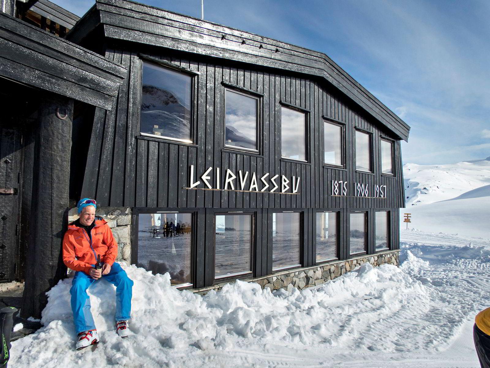 Den tradisjonsrike fjellstuen Leirvassbu har merket hvordan pågangen fra folk på jakt etter skikjøring i fjellsider har vokst år for år.