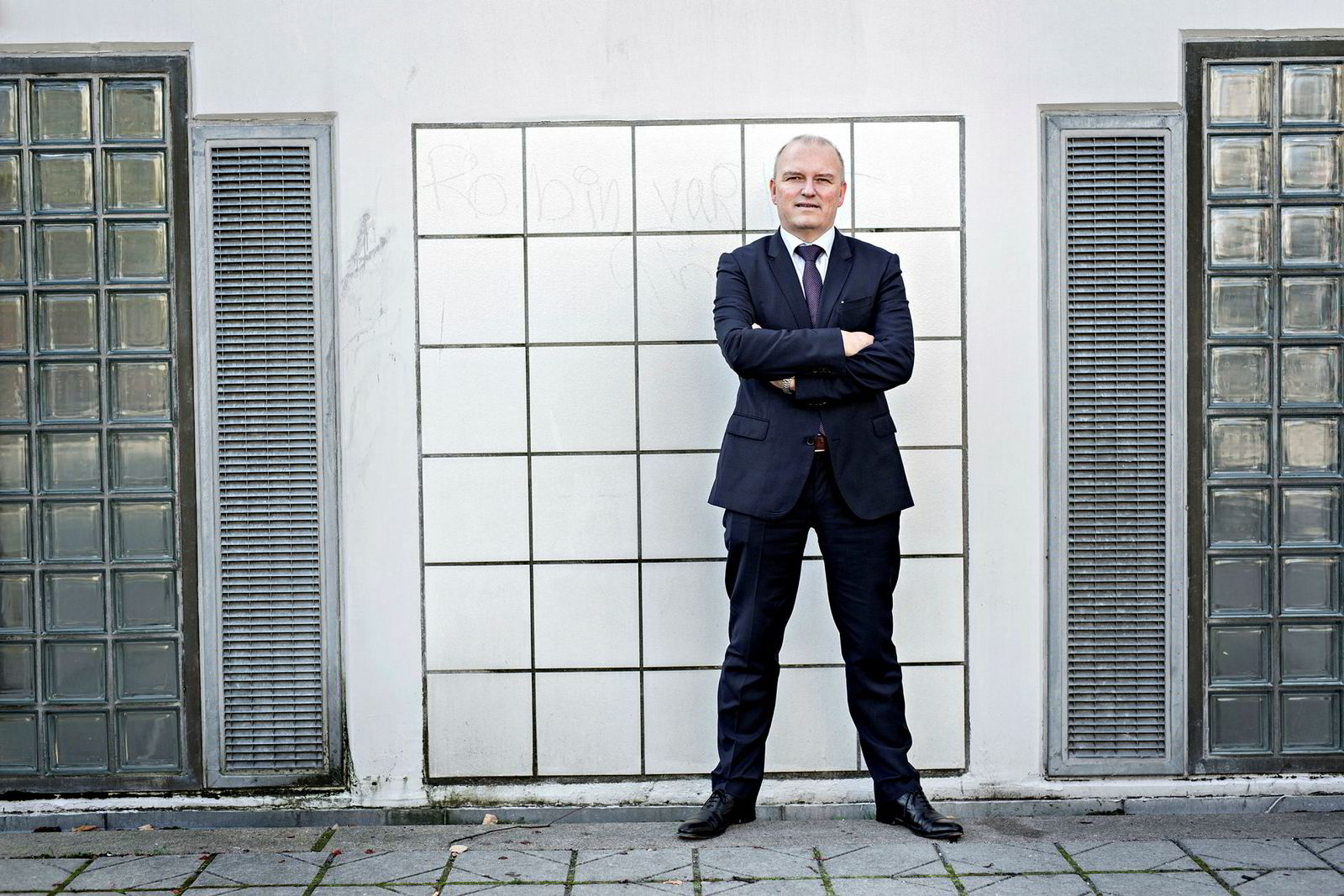 Sjømatanalytiker Kolbjørn Giskeødegård i Nordea Markets trodde prisfallet på laks ville bli kortvarig. Nå er han ikke like sikker.