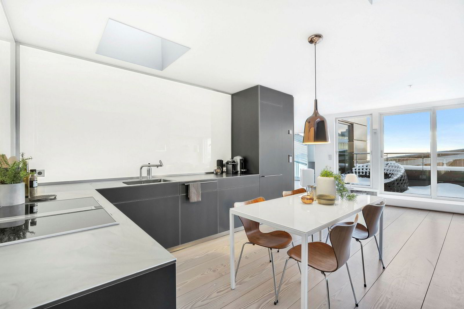 Krafttrader Einar Aas selger nå leiligheten på Strandpromenaden 5 på Tjuvholmen for 70 millioner kroner.