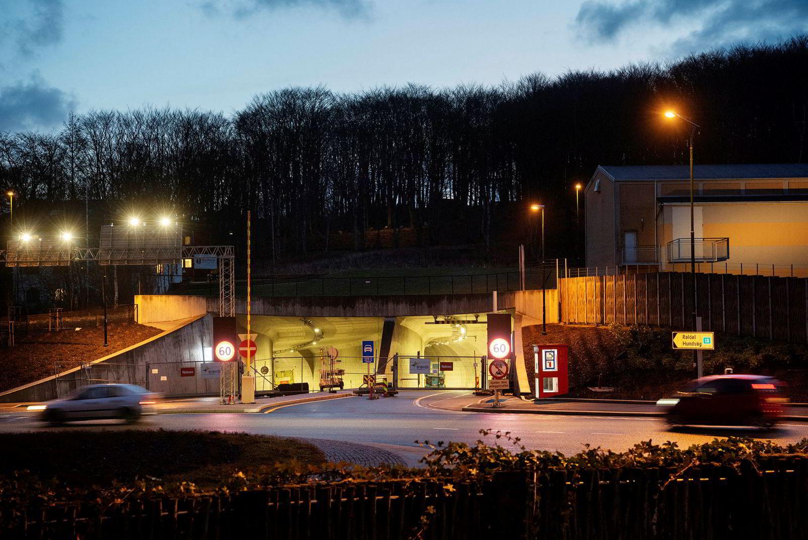 Hundvågtunnelen, sett fra inngangen ved Gamlingen/Bokkaskogen, er bygget for å kunne ta opptil 20.000 kjøretøy i døgnet.