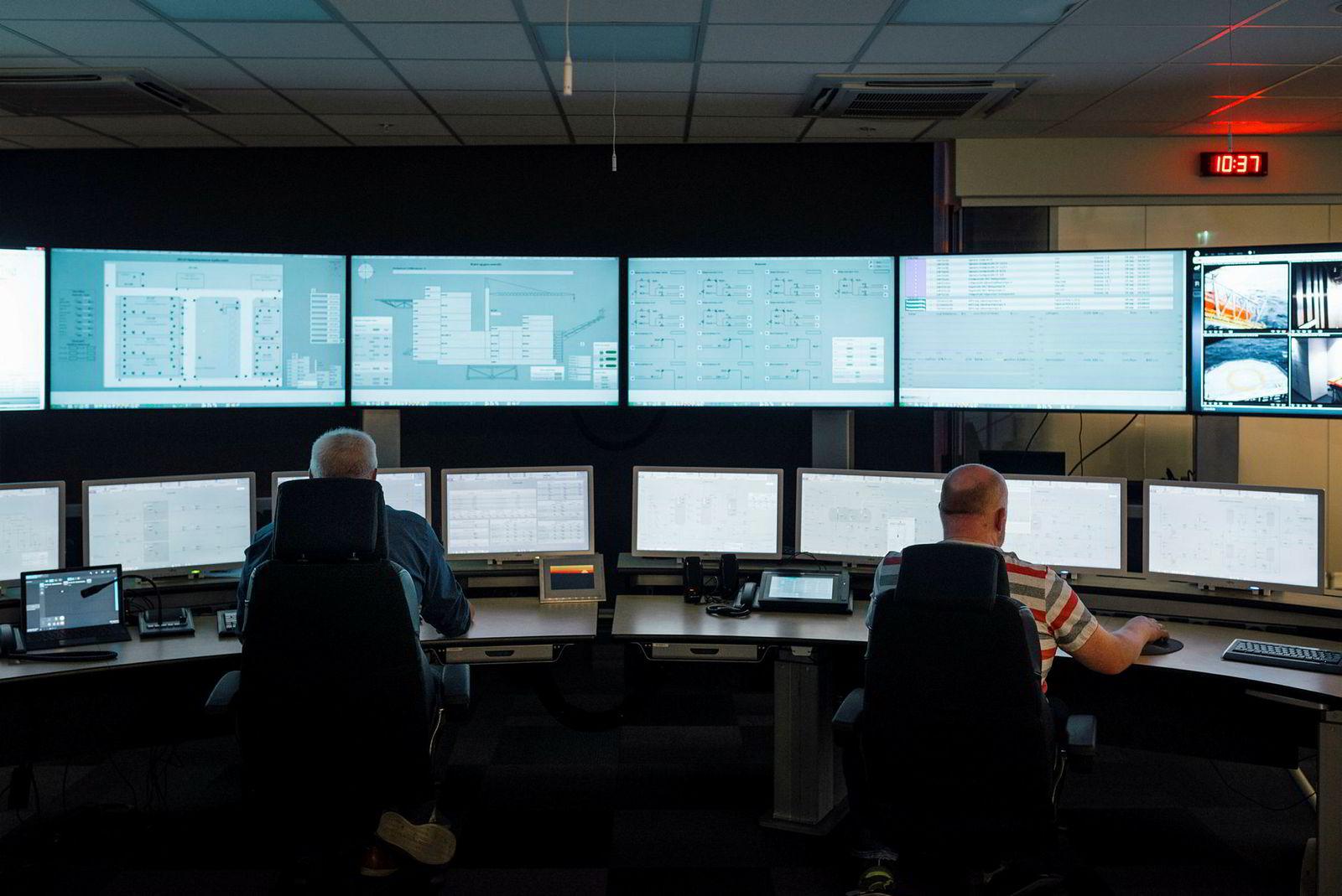 Kontrollrommet i Trondheim gir full kontroll over plattformen.