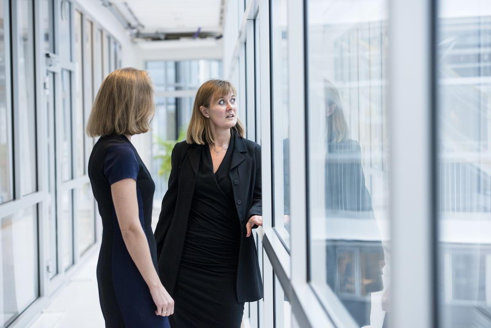 – Jo tidligere man blir informert om mulighetene, desto bedre, sier investeringsdirektør Ann-Tove Kongsnes (t.h.).