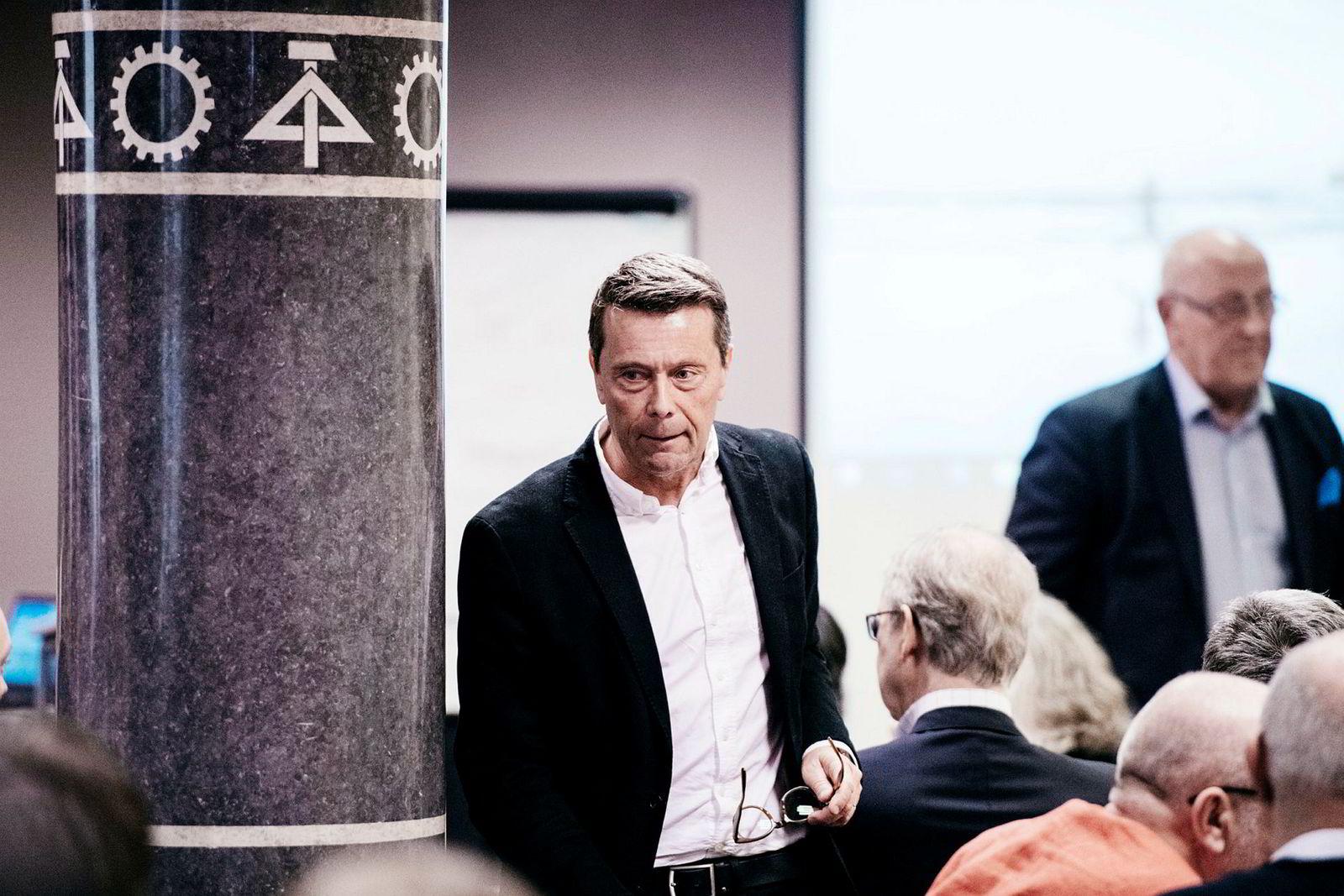 Tomas Brunegård, styreleder i Mentor Medier under den ekstraordinære generalforsamlingen mandag. Fartein Rudjord