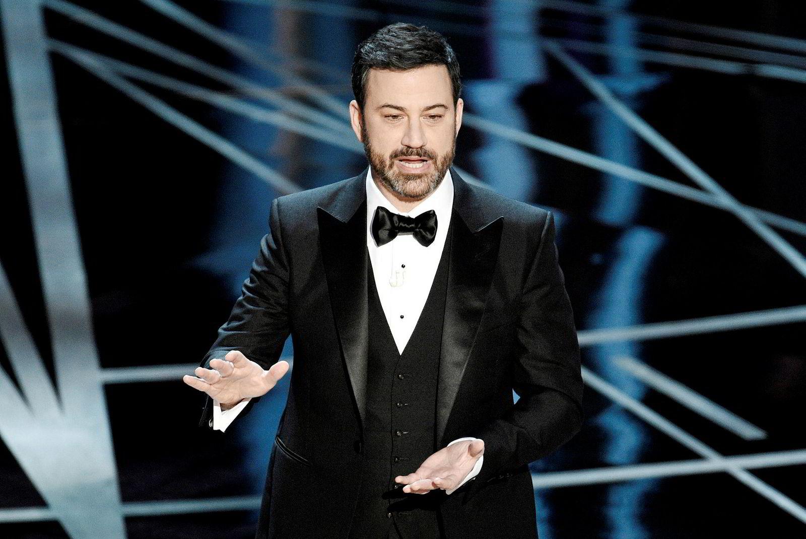 Talkshow-verten Jimmy Kimmel foreslår å gjøre Trump kongelig – for å ta fram ham makt.