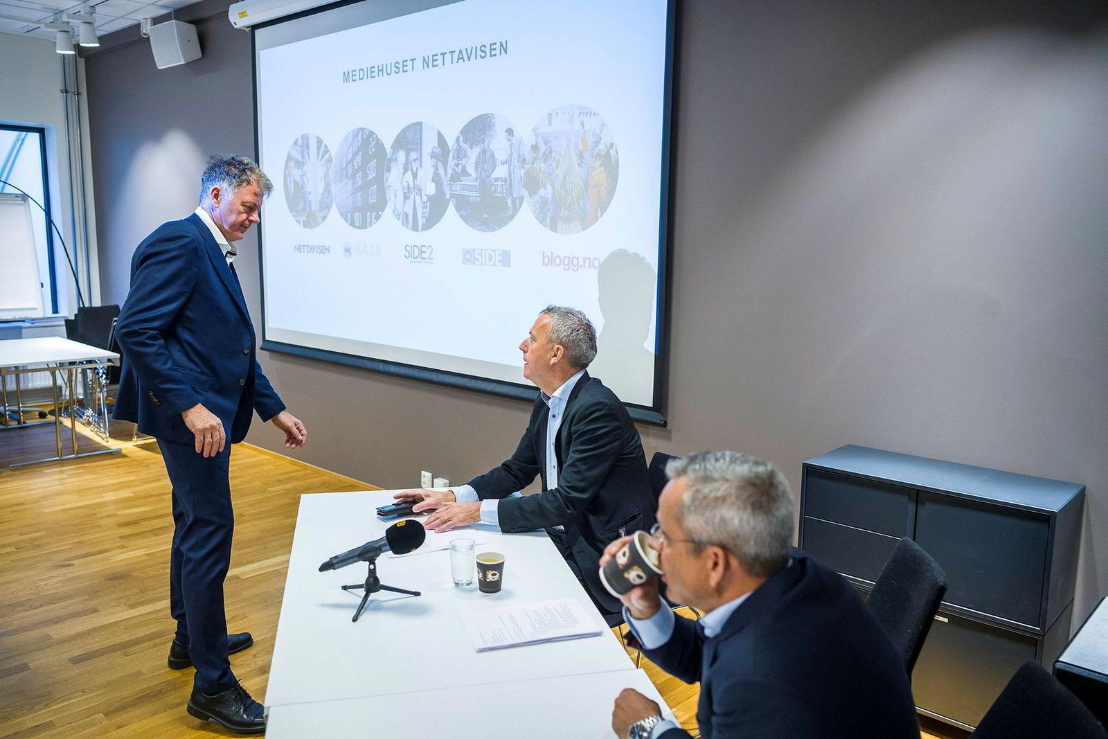 Gunnar Stavrum (til venstre) fortsetter som sjefredaktør, under konsernsjef Are Stokstads (oppe til høyre) ledelse.