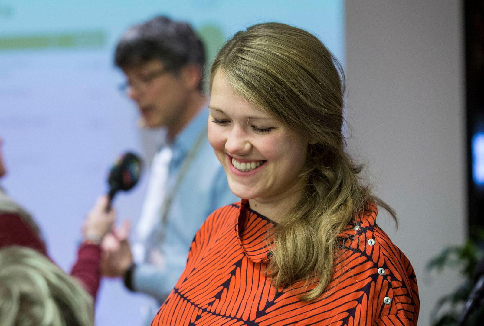 Miljøpartiet De Grønnes Une Bastholm vil ha en egen «Google-skatt». Per Espen Stoknes (i bakgrunnen) møter for Bastholm i Finanskomiteen mens hun er i permisjon.