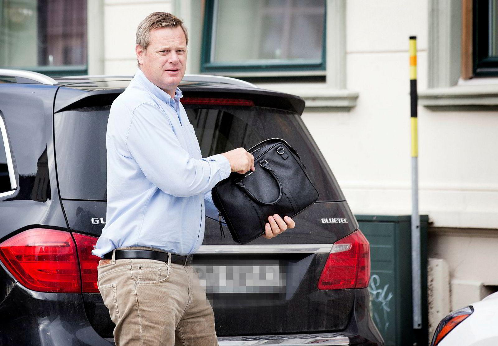 Krafttrader Einar Aas varslet torsdag at han har tapt milliarder på spekulasjon i kraftkontrakter og at han nå risikerer personlig konkurs